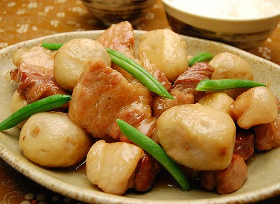 里芋と豚ばら肉の照り煮