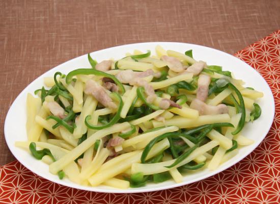 中華の定番おかず♪じゃが芋のチンジャオロースー(青椒肉絲)