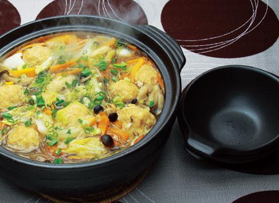 ~煮物だしで簡単♪白菜とろ~り鶏だんご鍋