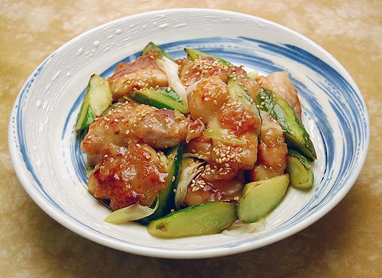 鶏肉ときゅうりの梅炒め