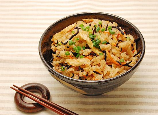 めんだしで簡単|切り干し大根とひじきの生姜炊き込みご飯