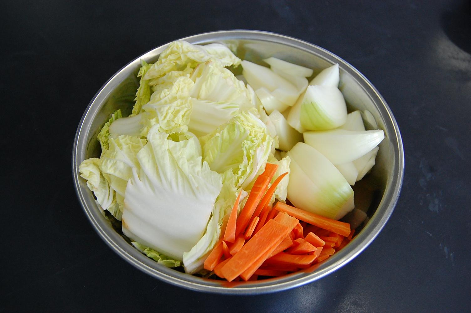 手羽元と白菜の煮込み:手順0