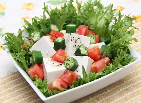 混ぜるだけ♪豆腐の美肌サラダ
