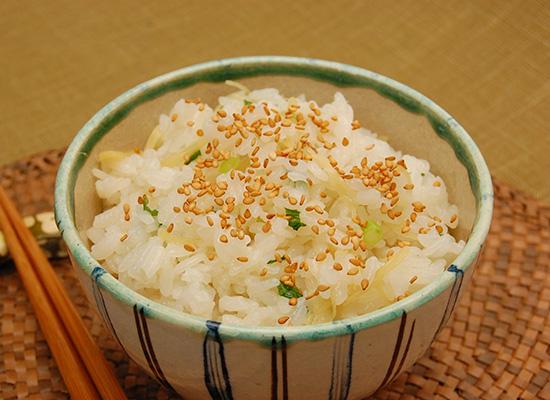 刻み生姜の混ぜご飯