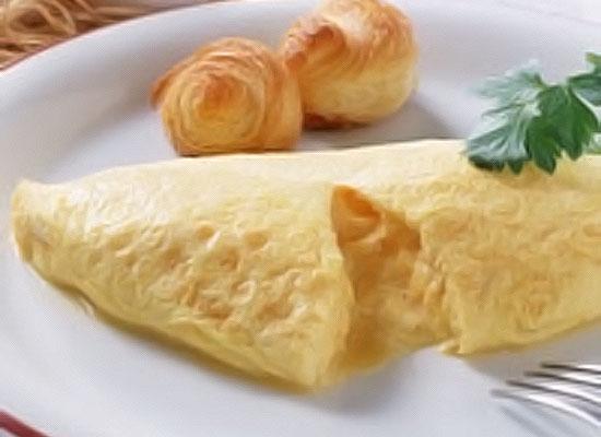 朝食の定番★チーズオムレツ