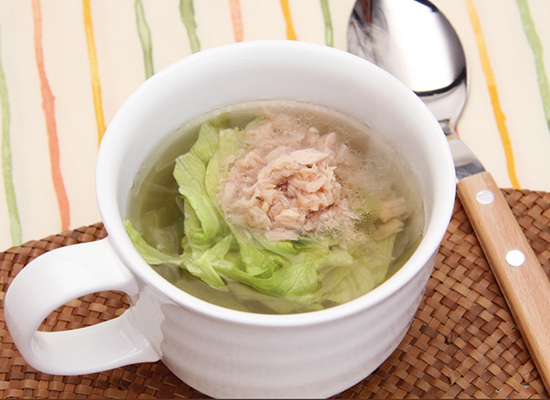 レンジで簡単!レタスのカップスープ