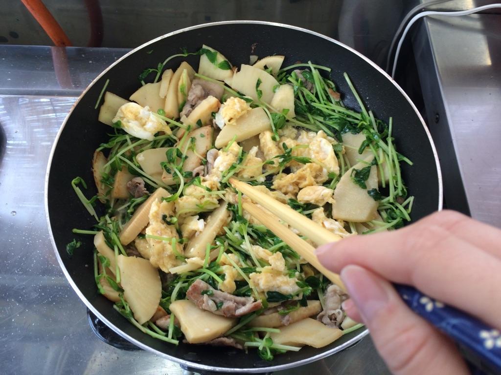竹の子と豆苗と豚肉の玉子炒め:手順3