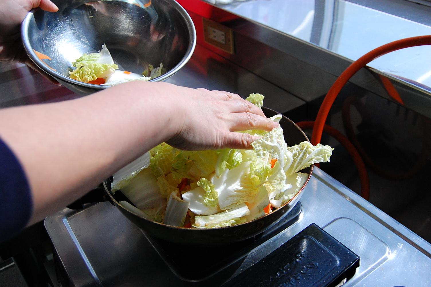 手羽元と白菜の煮込み:手順2