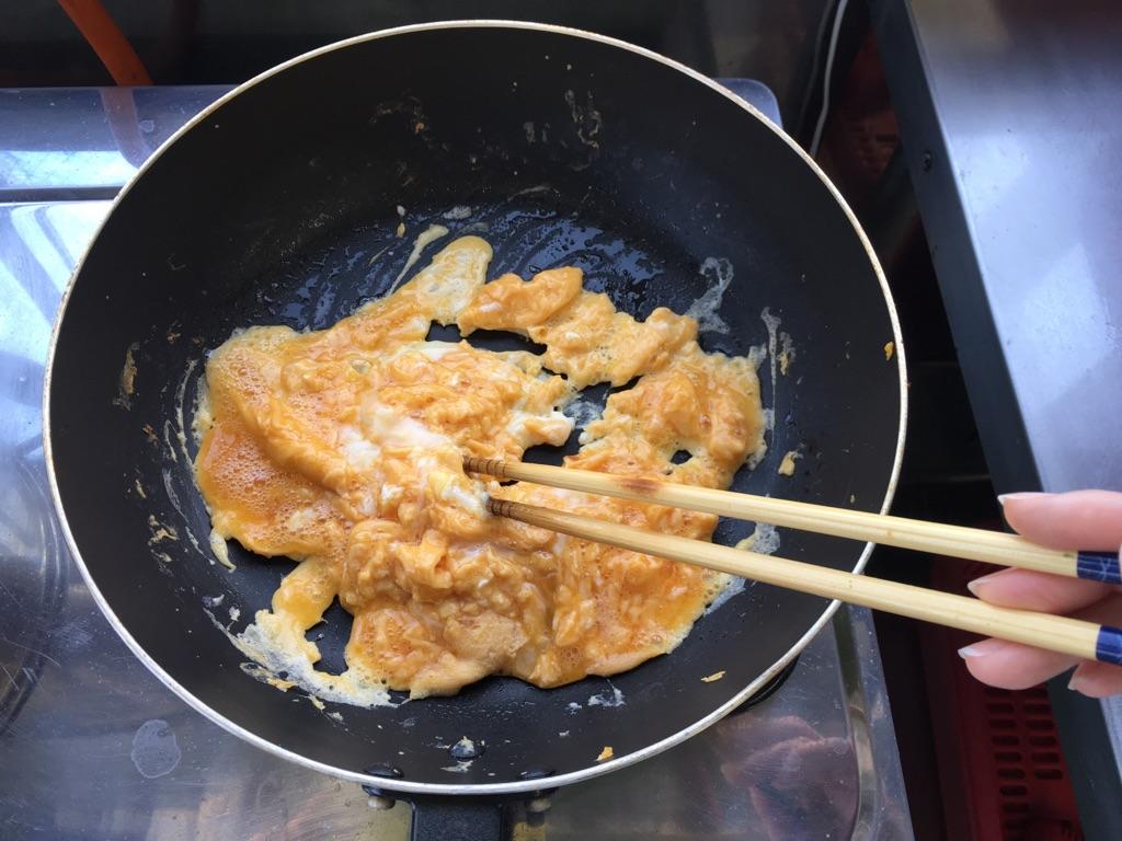 春キャベツと玉子のとろみ炒め:手順1