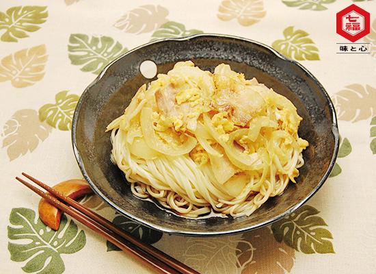 冷し中華簡単アレンジ|豚肉と玉子炒めのせ