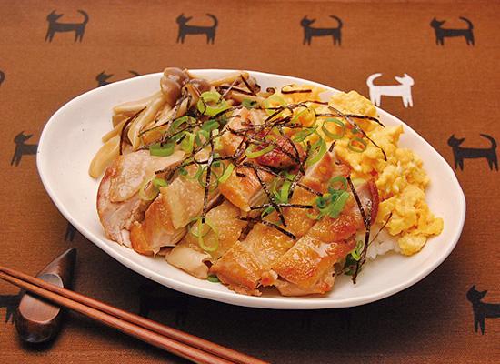 鶏の照り焼き丼きのこ添え