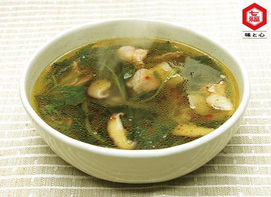 ほうれん草と豚肉のピリ辛スープ